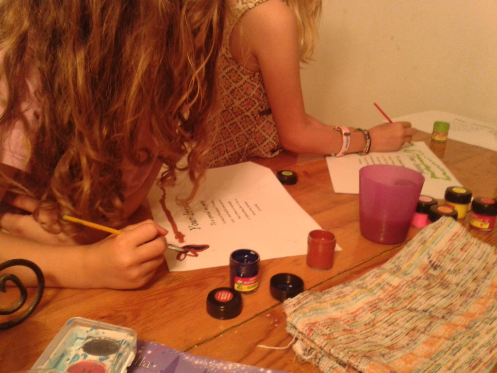 01-making invitations to a birthday party