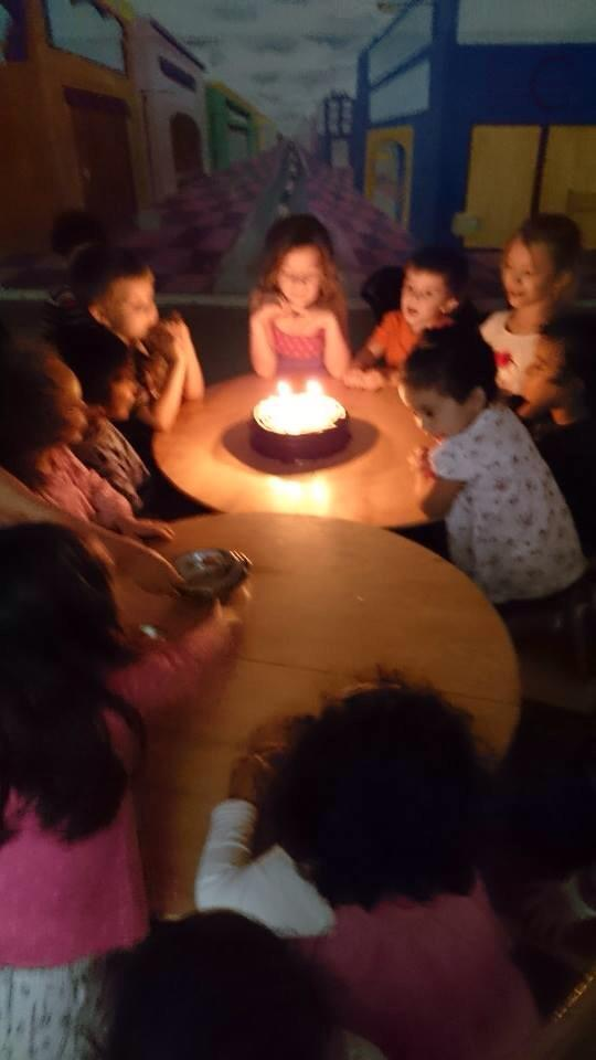 W-man's classmates all sang him happy birthday.